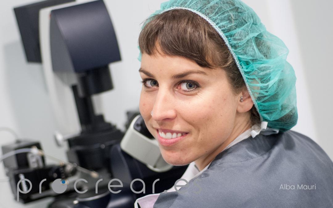 """Alba Mauri, recibe la certificación ASEBIR en """"Reproducción Humana Asistida y Embriología Clínica""""."""